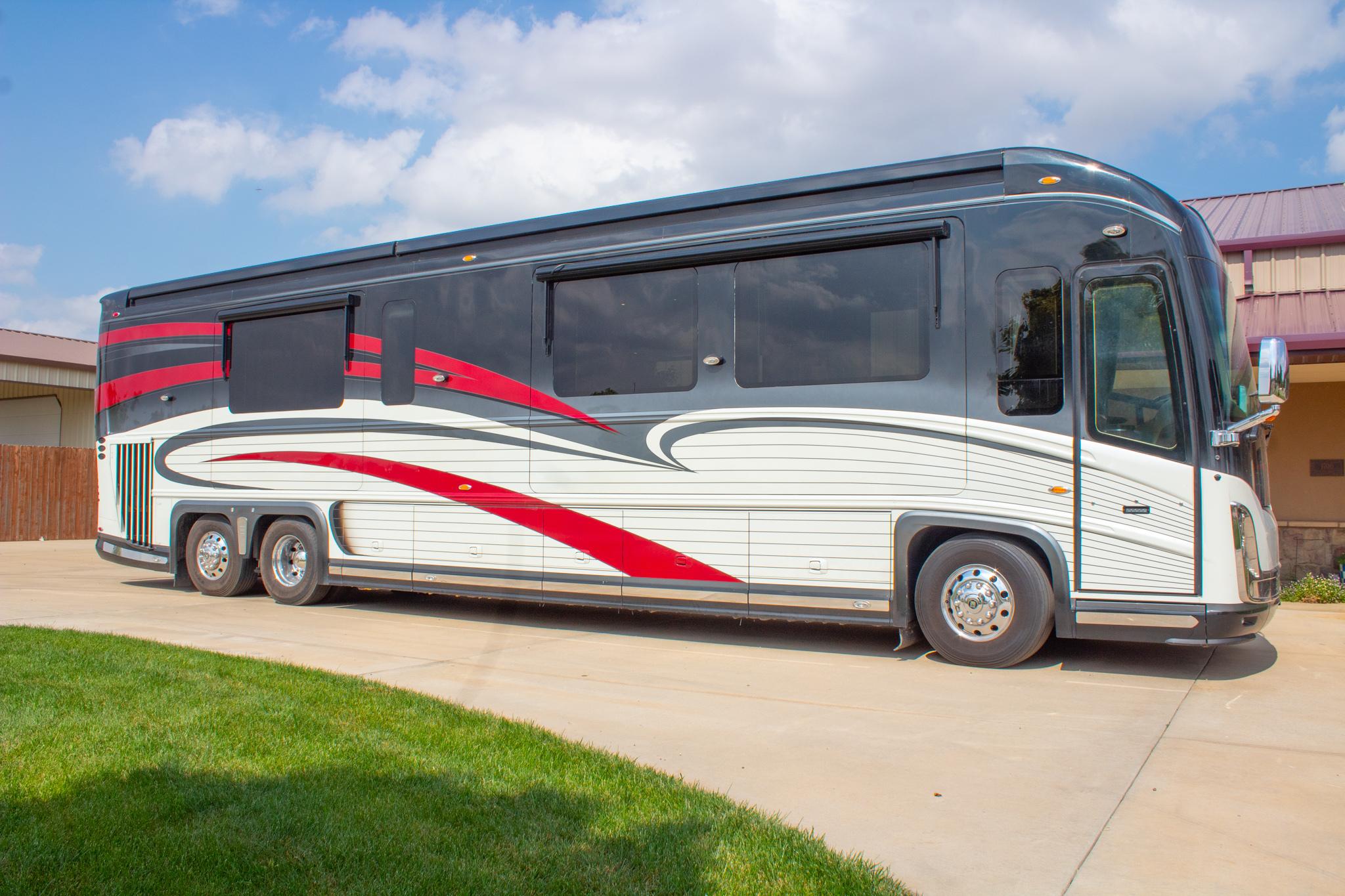 Photo Used 2012 Newell Coach Class A RV  $775000