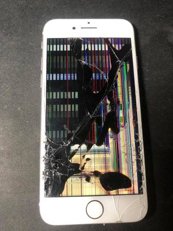 Photo iPhone Screen Replacements for Sale - $55 (Lubbock)