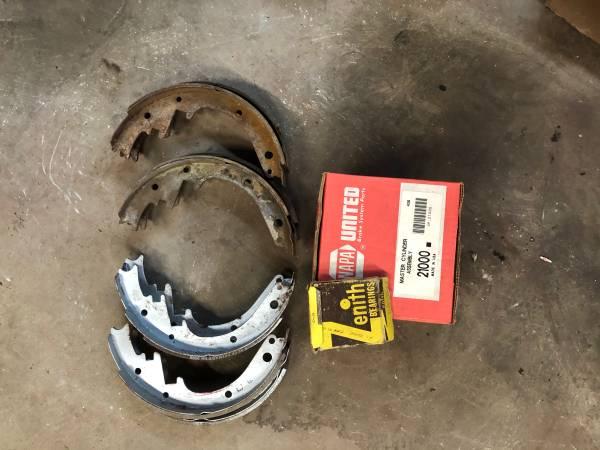 Photo 1955 1956 Chevy USA Master Cylinder Brake Shoes - $50 (Marlboro Randolph)