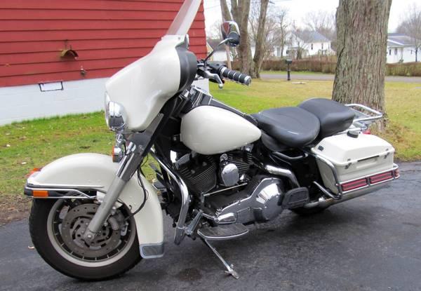 Photo 2003 Harley-Davidson Road King 100th Anniversary Police Edition - $5,000 (McDonald)