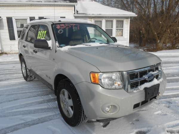 Photo 2008 FORD ESCAPE - $3377 (PERRY OH)