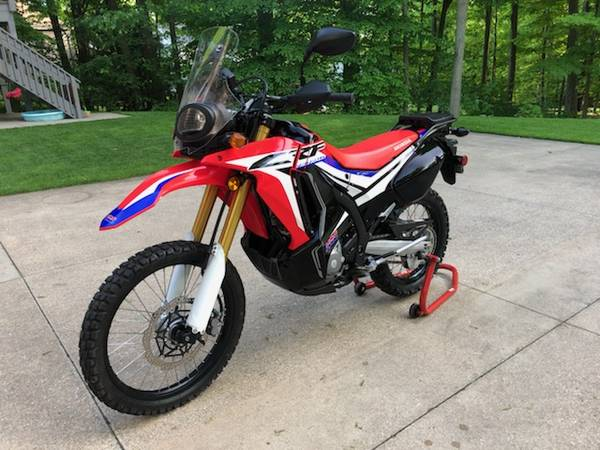 Photo 2017 Honda CRF 250L Rally - $4,550 (chagrin falls)