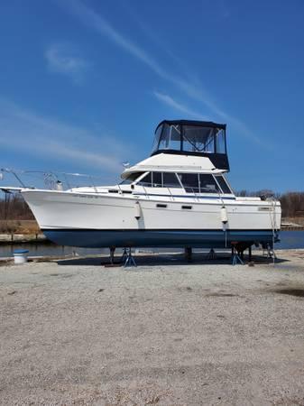 Photo 32 ft Bayliner 3270 Motor yacht - $22,000 (Ashtabula)