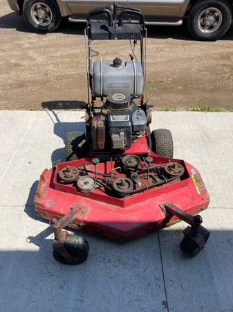 Photo 48 inch commercial walk behind mower Snapper - $800 (Green Portage Lakes Manchester)