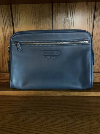 Photo COACH ALL LEATHER LARGE BEAUTY TRAVEL CASE COSMETIC MAKE UP BAG - $55 (Akron, Portage Lakes, New Franklin)