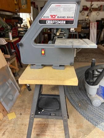 Photo Craftsman 10 band saw - $125 (Kingsville)