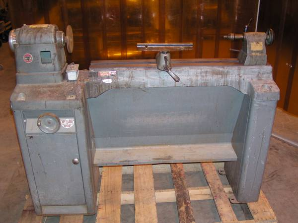 Photo DELTA ROCKWELL WOOD LATHE - $650 (Andover)
