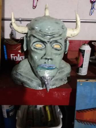 Photo Halloween decoration Clay monster head sculpture - $25 (Spencer)
