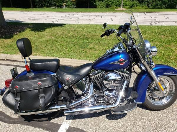 Photo Harley Davidson - Heritage Soft Tail Classic - $15,000 (Akron)