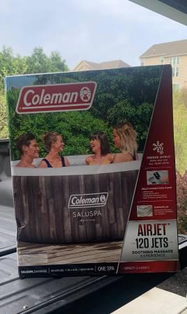 Photo New Coleman Bahamas SaluSpa Hot Tub - $550 (Hudson, OH)