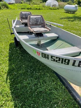 Photo Sea nymph 12 ft aluminum boat motor trailer - $1,300 (Wellington)