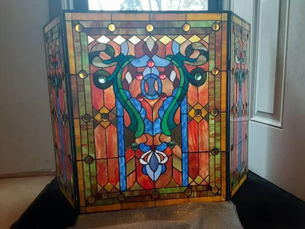 Photo Stained Glass Fleur de Lis Fireplace Screen - $100 (Akron)