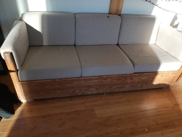 Photo This End Up Couch Love Seat - $50 (Roaming Shores)