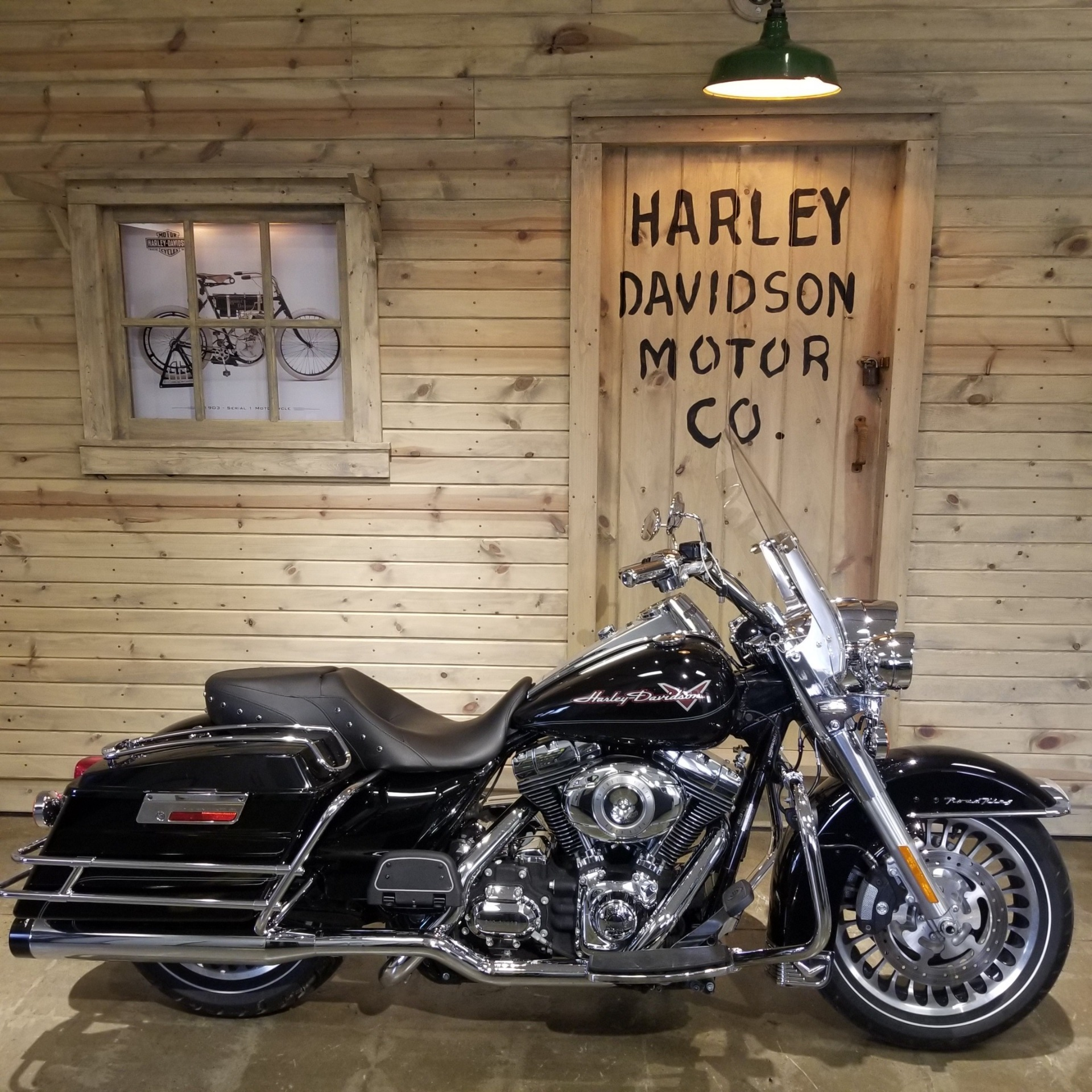 Photo 2010 Harley-Davidson Road King $12978