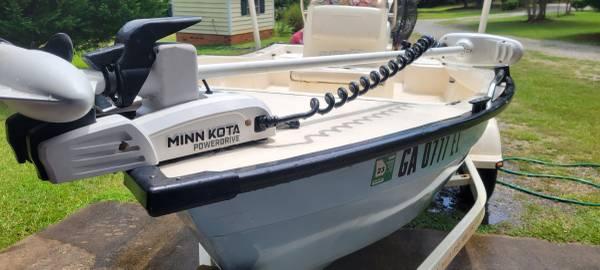 Photo 1639 bay boat center console - $10,000 (Greensboro)