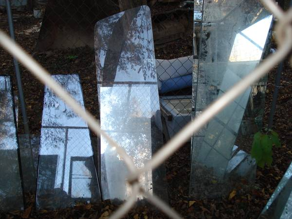 Photo 1981 Ford F Series Truck Rear Windshield - $60 (East Athens)