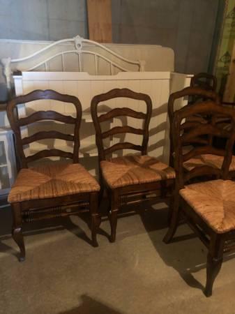 Photo Ballard Designs French Provincial Chair - $65 (Bogart)