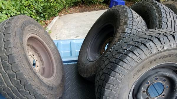 Photo Chevy truck rally wheels and 8 lug wheels and tires - $400 (Athens)