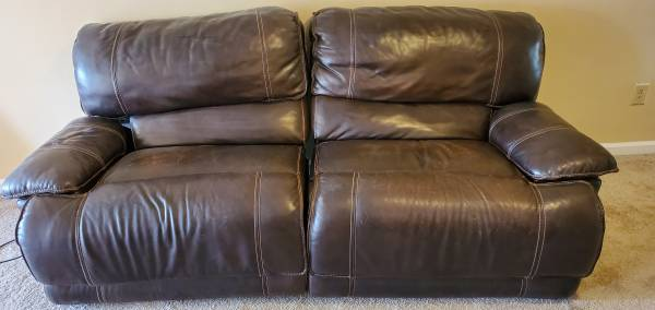 Photo Dark Brown Electric Leather Couch - $200 (Athens)