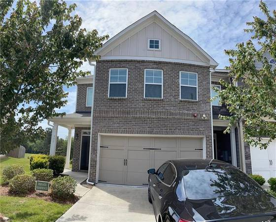 Photo Former Model home for the community. Spacious 3 bedroom (Lawrenceville)