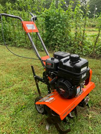 Photo Husqvarna FT900 26quot Garden Tiller - $350 (Toccoa)