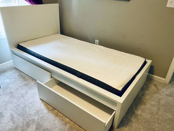 Photo IKEA MALM TWIN BED WITH STORAGE  MATTRESS - $90 (Watkinsville)