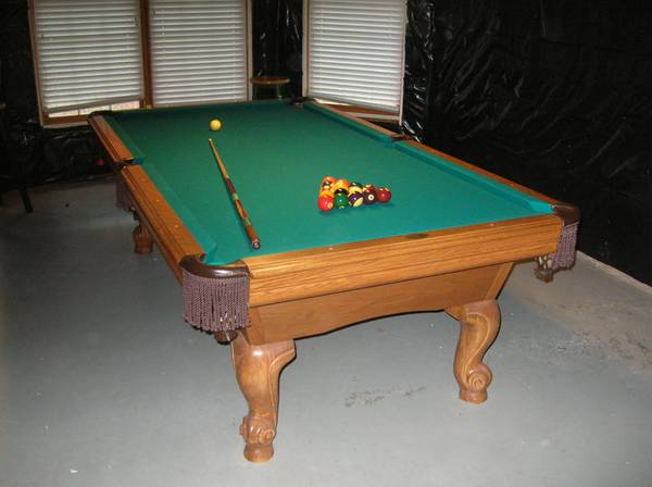 Photo Leisure Bay 8 Foot Pool Table - $600 (Flowery Branch)