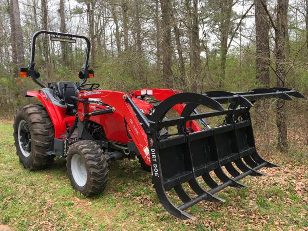 Photo Massey Ferguson 1736 4WD Premium Loader Tractor with Bucket  Grapple - $24000 (Athens, GA)