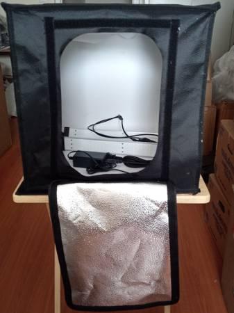 Photo Photography Photo Studio box -LED adjustable Lights 17x17 collapsible - $50 (PEACHTREE CORNERS)