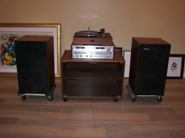 Photo Pioneer SX-980. HPM-100 speakers, and Elac Miracord turntable stereo - $1300 (Athens)