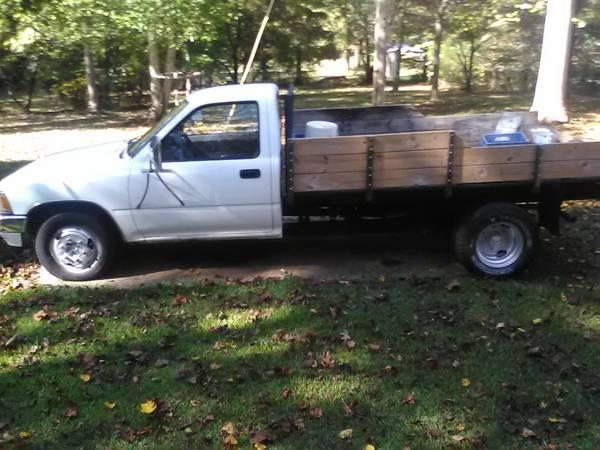 Photo RARE 1990 Toyota 1 ton HD suspen dually truck R-22 4 cyc auto 122k - $6,950 (Hwy 29 South-Athens-Madison Co. Georgia)