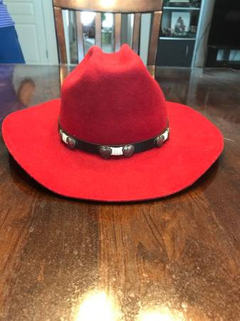 Photo RED RIATA COWGIRL HAT - REDUCED - $30