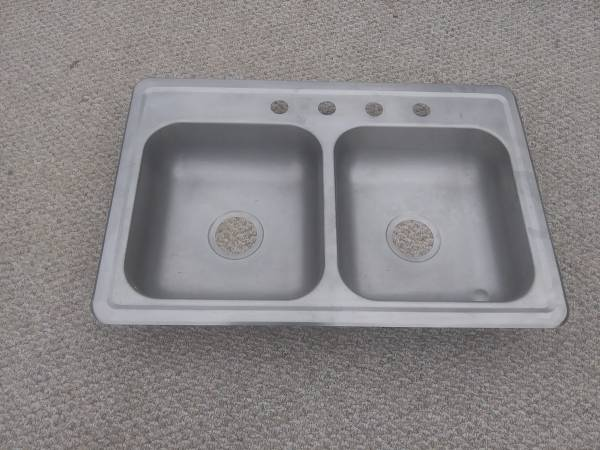 Photo Stainless steel double bowl sink - $20 (Maxeys)