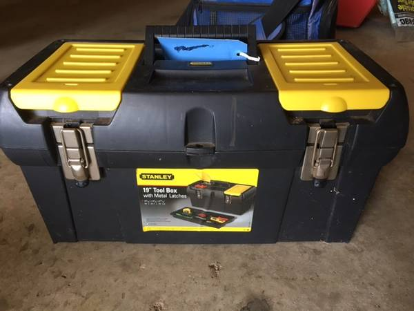 Photo Stanley 19 in. 1-Touch Latch Tool Box with Lid Organizers - $30 (Jefferson)
