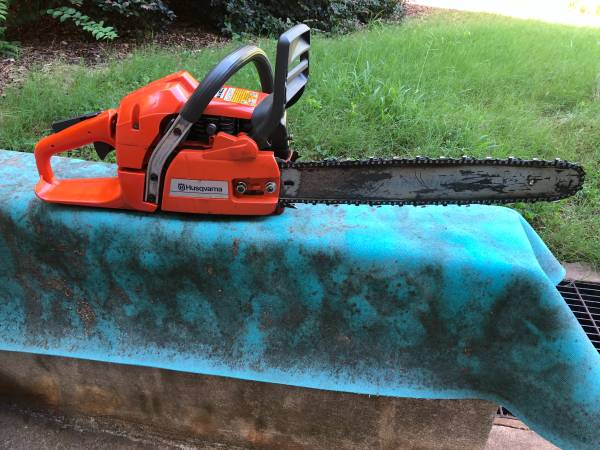 Photo husqvarna 350 chain saw - $300 (Athens)