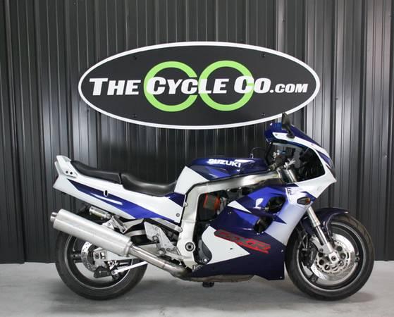 Photo 1998 Suzuki GSX-R 1100 - $4,990 (The Cycle Co. 83 S. Skidmore St. Col Ohio)