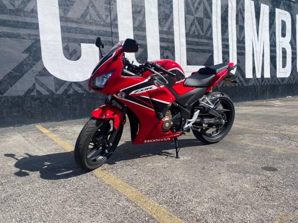 Photo 2019 Honda CBR300R - $4,200 (Grove City)
