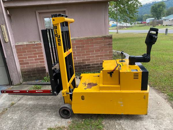 Photo BIG JOE PDC-30-106 Electric Counterbalance Forklift - Walk Behind - $4,500 (Minford)