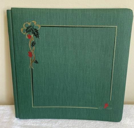 Photo CREATIVE MEMORIES GREEN CHRISTMAS Evergreen 12 X 12 ALBUM W 15 Pages - $15 (Gahanna)