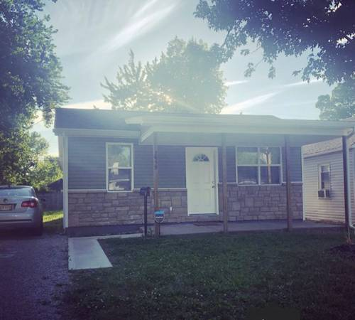 Photo Clean and Quiet Home with pets for clean quiet Roomie $650 (Columbus Oh)