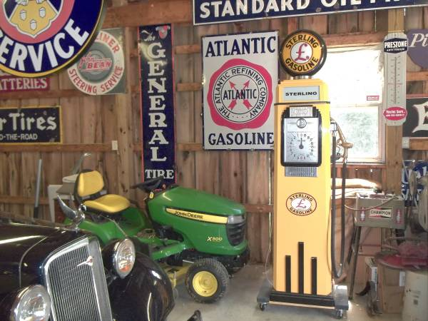Photo Gas Pump 1930s Tokheim 36B Art-Deco. - $4,900 (584 Highwater Dr. Letart WV.)