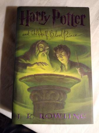 Photo Harry Potter and the Half-Blood Prince BOOK 6 hardcover J K Rowling - $8 (Columbus)