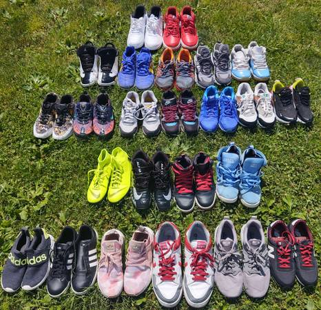 Photo Men39s and Women39s Shoes - Nike Adidas Converse - $10 (Mt Vernon)