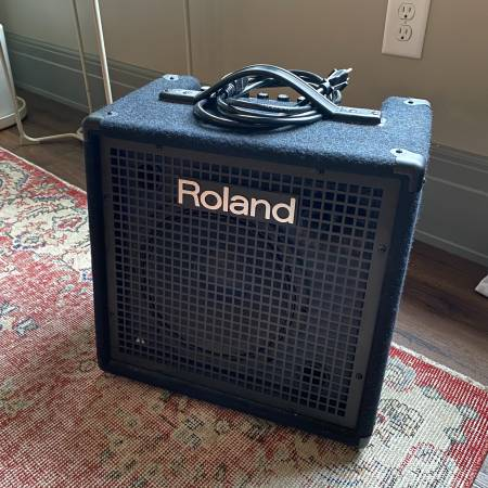 Photo Roland KC-80 - 50W 10quot Keyboard Amp - $225 (Columbus)