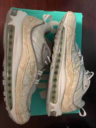 Photo Supreme X Nike Snakeskin air max 98 size 10 - $260 (Powell)
