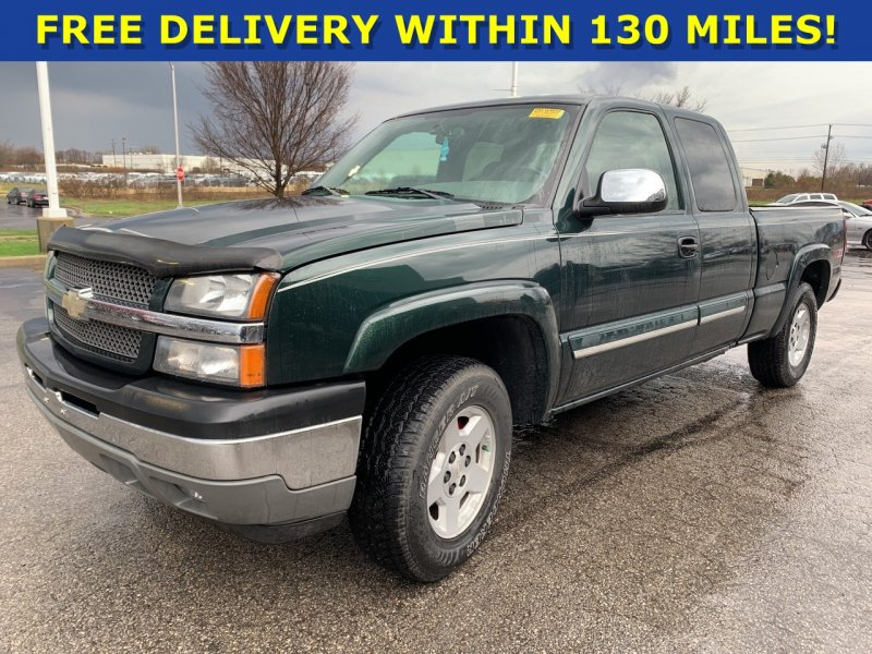 Photo Used 2005 Chevrolet Silverado 1500 4x4 Extended Cab w Z71 for sale