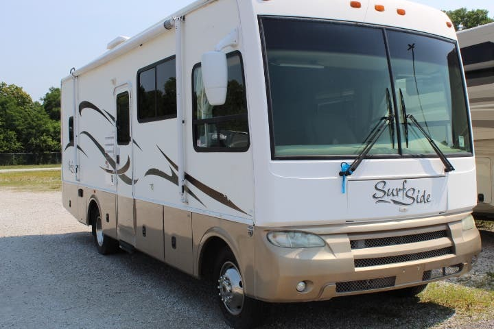 Photo Used 2006 Surf Side Class A RV  $21995