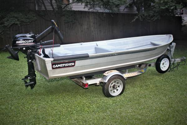 Photo 1239 SEARS GAMEFISHER ALUMINUM BOAT TRITON LXT TRAILER VG - $1000 (DECATUR)