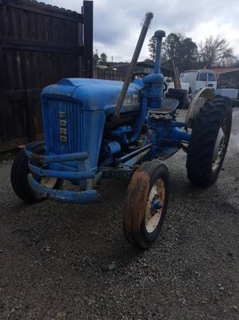 Photo 1963 Ford 2000 tractor 4 cylinder diesel - $1,950 (Dallas)