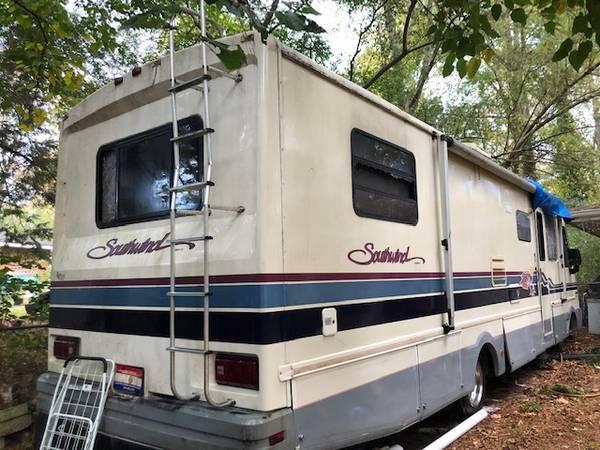 Photo 1993 - Gas RV for Sale - $3,000 (Doraville)